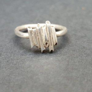 Jagged tube ring