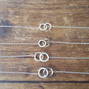 Linked rings necklace
