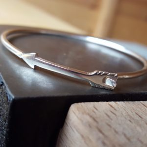 Arrow bangle in sterling silver