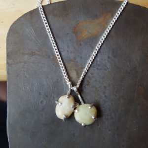 Iona pebbles necklace