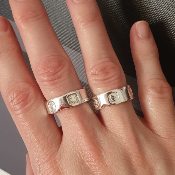 Hallmarked rings with a chipped marble effect