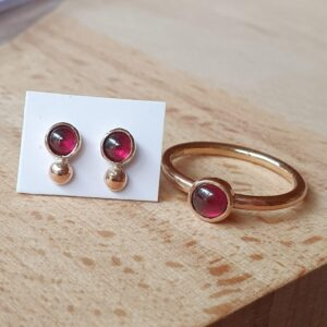 Garnet and gold ring and earrings